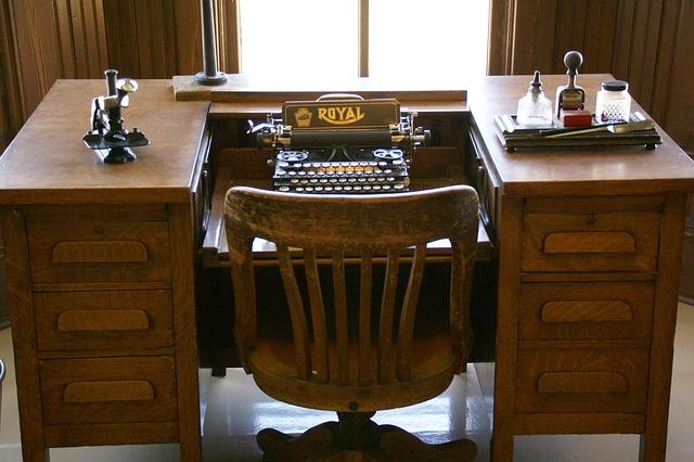 stare-odnowione-biurko