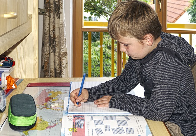 biurko-dziecko-nauka