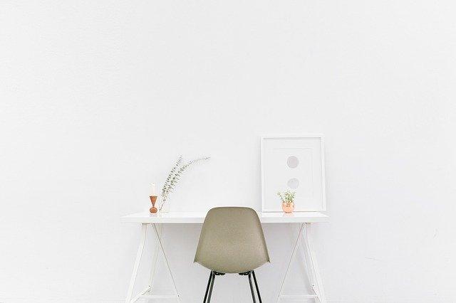 minimalistyczne-biurko