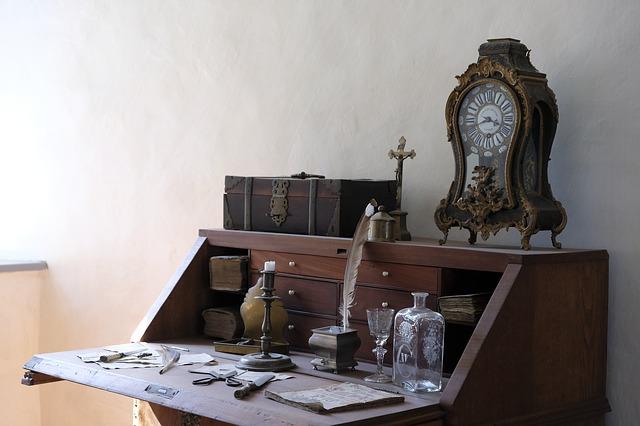 biurka-z-nadstawka